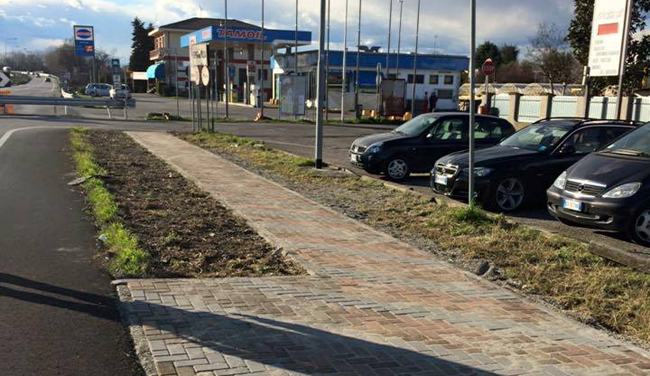 Attiva la nuova fermata bus di via argine for Mercatone dell arredamento spino d adda